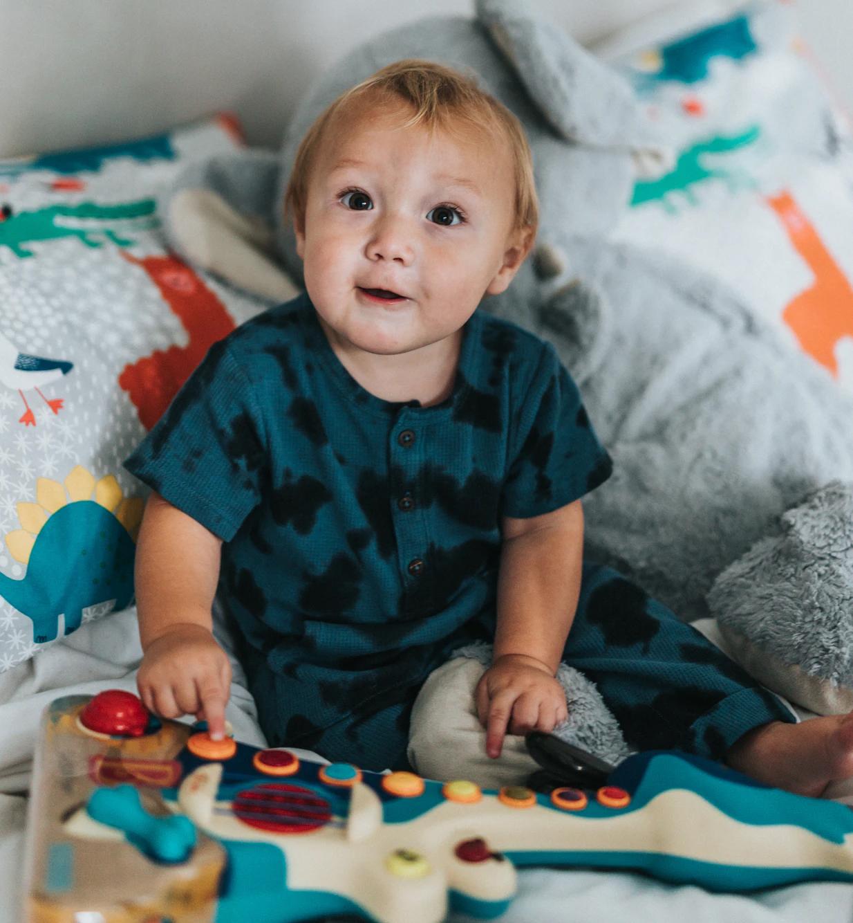 toddler-playing